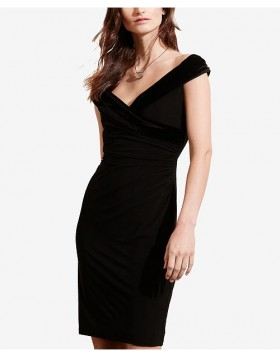 Lauren must sametefektiga off-shoulder kleit