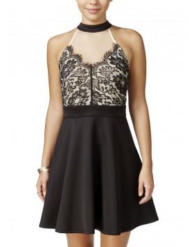 Trixxi efektne pitsiga kleit